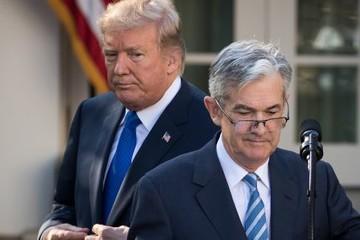 Trump tiếp tục phá lệ, chỉ trích Fed tăng lãi suất