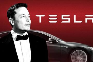 CEO Tesla bị cáo buộc lừa đảo để gây ấn tượng với bạn gái