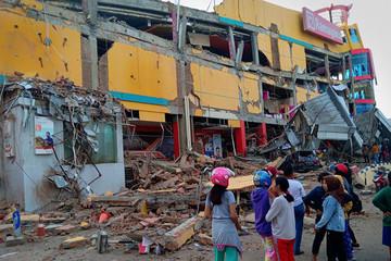 Động đất, sóng thần ở Indonesia: Số người thiệt mạng có thể lên đến 348