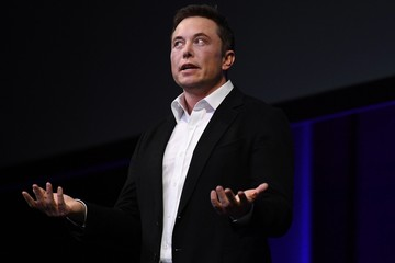 Elon Musk 'đá đểu' Ủy ban Chứng khoán Mỹ trên Twitter