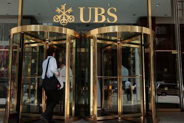 Ngân hàng UBS bị xét xử tại Pháp vì cáo buộc né thuế
