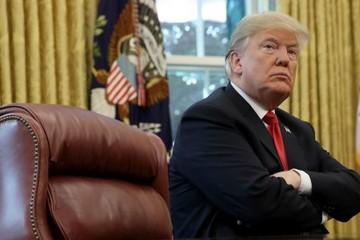 Trump: Chứng khoán Mỹ chỉ 'điều chỉnh', Fed đã 'phát cuồng' vì lãi suất