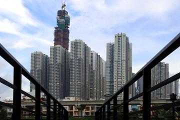 Nikkei: Việt Nam sắp nới lỏng hạn chế sở hữu nước ngoài với lĩnh vực hàng không, ngân hàng