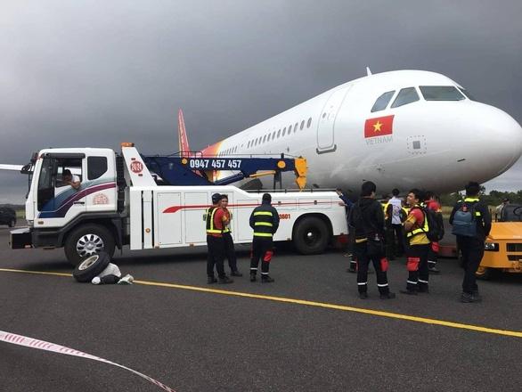 Vietjet chính thức lên tiếng sau sự cố máy bay VJ356 rơi bánh