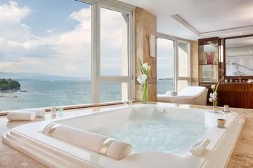 Phòng khách sạn dành riêng cho giới 'tinh hoa'