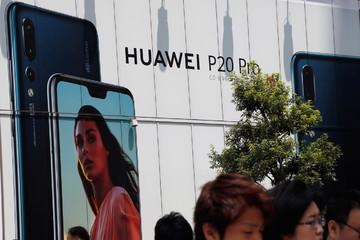 Điện thoại Huawei nổi tiếng toàn thế giới trừ ở Mỹ