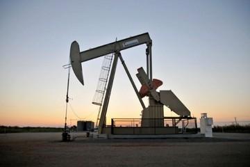 Giá dầu tăng nhẹ trước nguy cơ chính phủ Mỹ có thể bị đóng cửa
