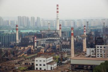 Hai thành phố Trung Quốc gấp rút giảm sản lượng thép