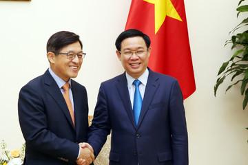 Phó Thủ tướng đề nghị Samsung quan tâm hơn tới nghiên cứu, phát triển