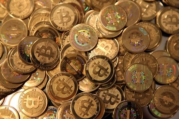 Ngân hàng JPMorgan cảnh báo về bitcoin và tiền mã hóa