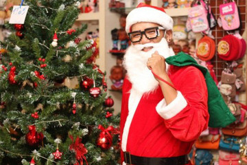 Kiếm bộn tiền từ dịch vụ ông già Noel ngày Giáng sinh