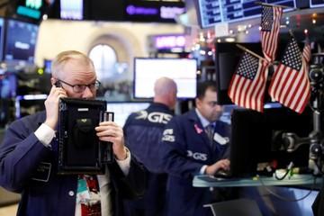 Phố Wall tiếp tục bị bán tháo, Dow Jones mất hơn 650 điểm, S&P 500 cận kề thị trường giá xuống