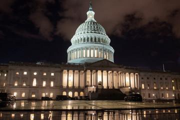 Chính phủ Mỹ sẽ đóng cửa tới hết năm nay