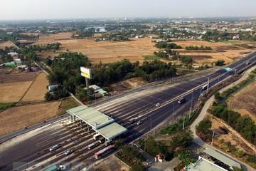 Bắt 5 'sếp' trốn thuế tại trạm thu phí cao tốc TP HCM - Trung Lương