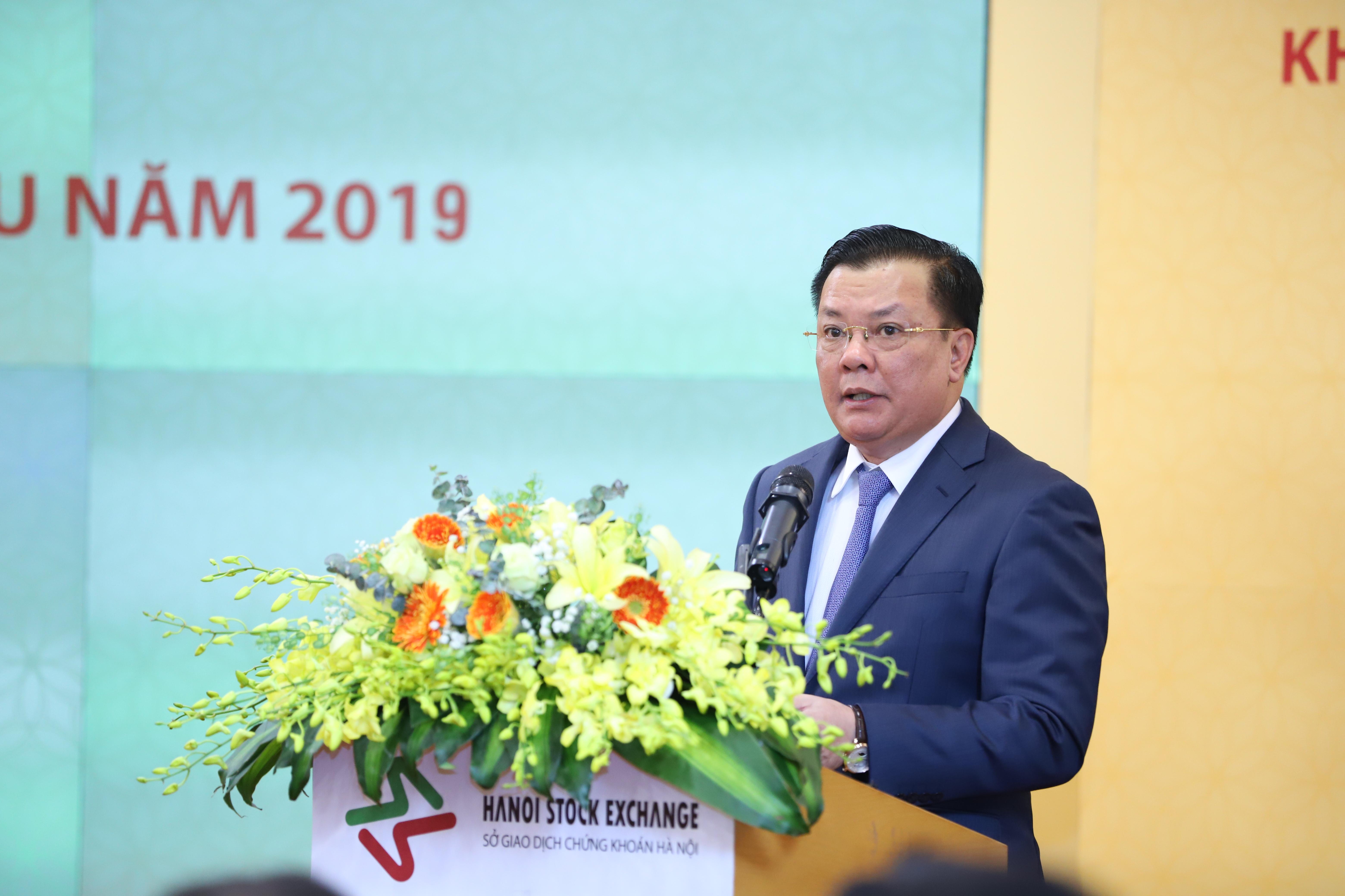 Bộ trưởng Đinh Tiến Dũng: 5 nhiệm vụ trọng tâm trong phát triển TTCK 2019