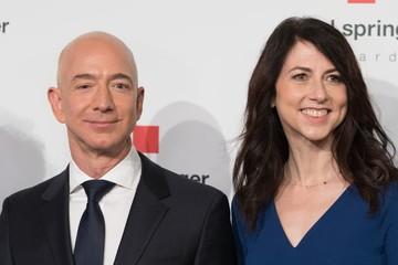 Sau ly hôn, tài sản 137 tỷ USD của CEO Amazon phải chia đôi?