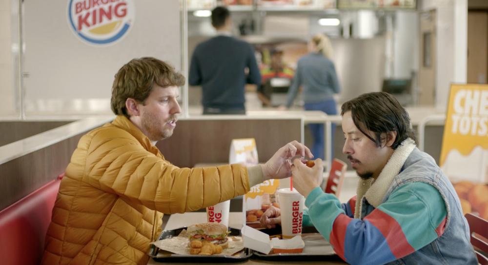 Đòi ăn Burger King miễn phí trọn đời vì bị mắc kẹt trong nhà vệ sinh