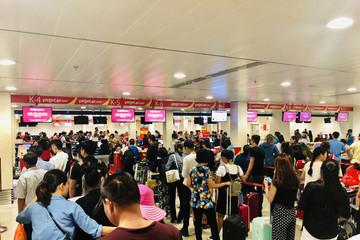 Sân bay Tân Sơn Nhất lập kỷ lục: 900 lượt chuyến bay/ngày dịp tết