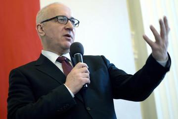 Sau vụ Huawei, Ba Lan kêu gọi đồng minh NATO chống lại tin tặc TQ