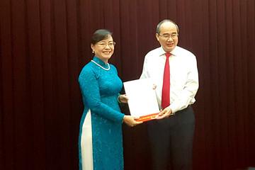 Phó bí thư Thành ủy TP HCM Nguyễn Thị Quyết Tâm nhận quyết định nghỉ hưu
