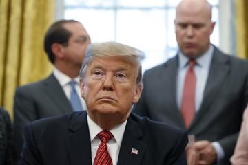 Trump kiếm được rất nhiều tiền, nhưng không phải từ chức Tổng thống Mỹ