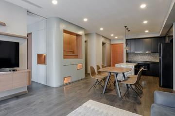 Thiết kế hiện đại, phóng khoáng của căn hộ 78m2 có tường sơn màu lá hương thảo
