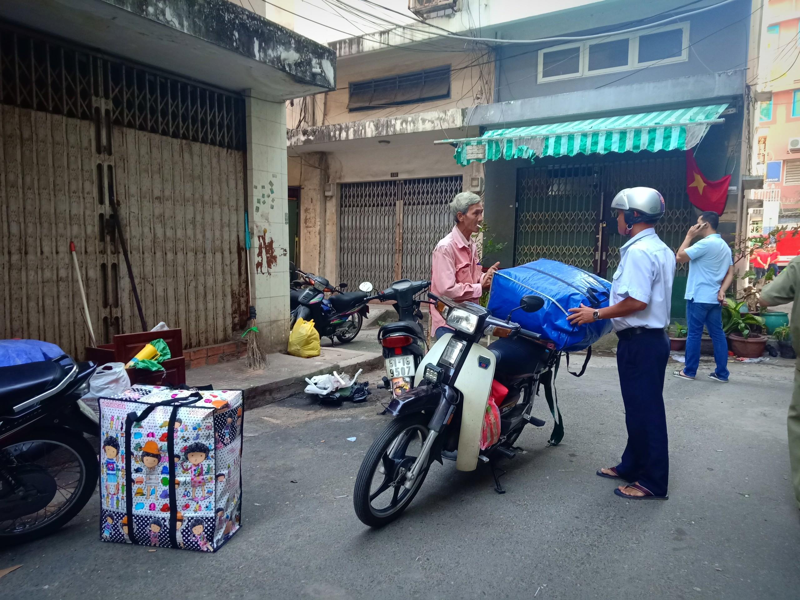 Chung cư 20 năm tuổi ở Sài Gòn nghiêng 45 cm, phải di dời dân khẩn cấp