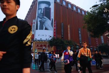 Trung Quốc sẽ vượt Mỹ trở thành thị trường tiêu dùng lớn nhất thế giới trong năm 2019
