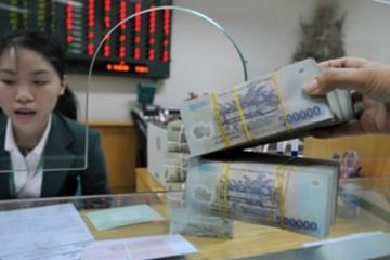 Ngân hàng tăng lãi suất, lượng tiền huy động vẫn giảm dịp sát Tết