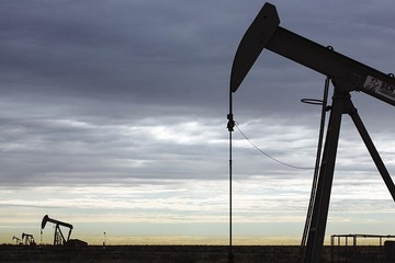 Barclays hạ dự báo giá dầu Brent xuống 70 USD/thùng