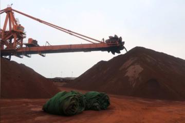 Giá quặng sắt tại Trung Quốc chạm đỉnh 16 tháng