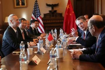 Sự im lặng khác thường trong ngày đàm phán thương mại Mỹ - Trung đầu tiên