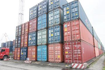 Vụ 24.000 container tồn ở cảng: Rào cản vô tình giết chết doanh nghiệp