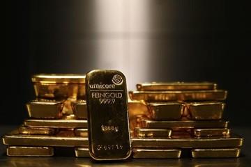 Giá vàng tiếp tục tăng, chạm đỉnh 9 tháng