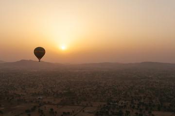 [Đi và trải nghiệm] Sau ung thư, tôi đến Ấn Độ tìm niềm vui sống