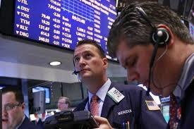 Lợi nhuận tốt áp đảo lo ngại thương mại, S&P 500 và Nasdaq kết thúc chuỗi ngày giảm