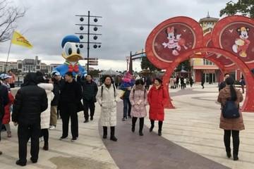 Người Trung Quốc chi hơn 1.000 tỷ nhân dân tệ trong Tết