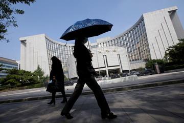 Đằng sau việc Trung Quốc mở cửa thị trường