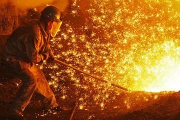 Giá quặng sắt bùng nổ và nỗi lo nhu cầu của ngành thép