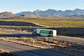 TuSimple - startup vận tải đánh bại Waymo và Tesla trong lĩnh vực xe tải tự lái