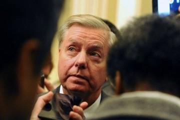 Mỹ: Điều tra nghi vấn một số quan chức muốn phế truất ông Trump