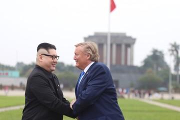 Cuộc hội ngộ ở Hà Nội của bản sao Trump - Kim