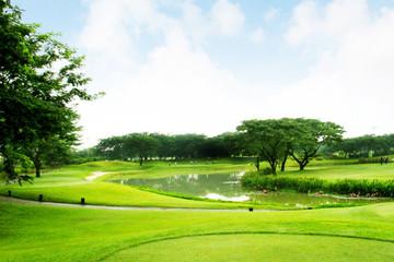 Hà Nội nghiên cứu xây dựng khu sinh thái và sân tập golf gần 65 ha