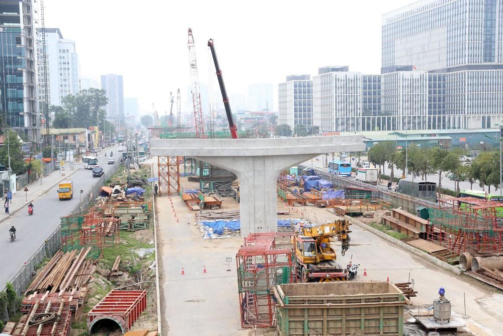 Hà Nội tạm dừng thi công nhiều dự án giao thông