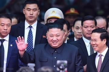 Kim Jong-un - từ người kế nhiệm trẻ tuổi đến lãnh đạo 'quyến rũ' thế giới