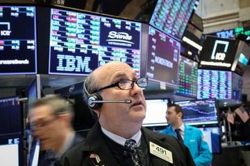 Phố Wall diễn biến trái chiều sau các phiên điều trần của đại diện thương mại, chủ tịch Fed