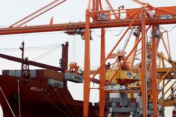 Việt Nam ước nhập siêu 84 triệu USD 2 tháng đầu năm