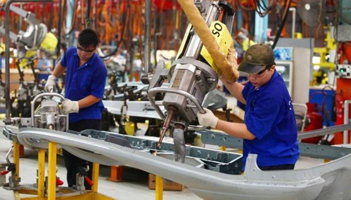 PMI xuống thấp kỷ lục trong vòng 3 năm