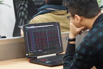 Góc nhìn: Cổ phiếu ngân hàng bên lề 'bữa tiệc chứng khoán'