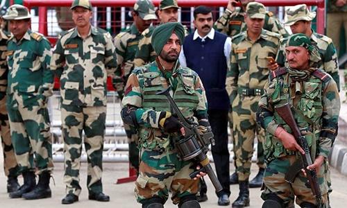 Binh sĩ Ấn Độ, Pakistan đấu súng tại biên giới